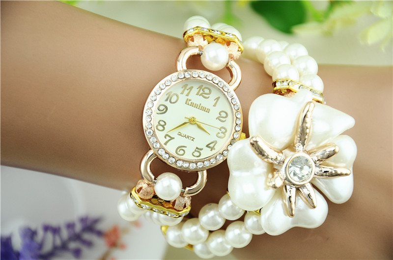 How Fashionable Wrist Watches Grab More Attention Of People