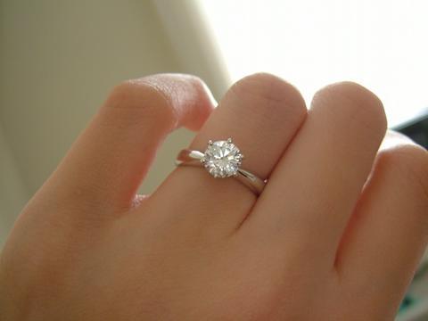 Tips for Diamond Engagement Ring Settings