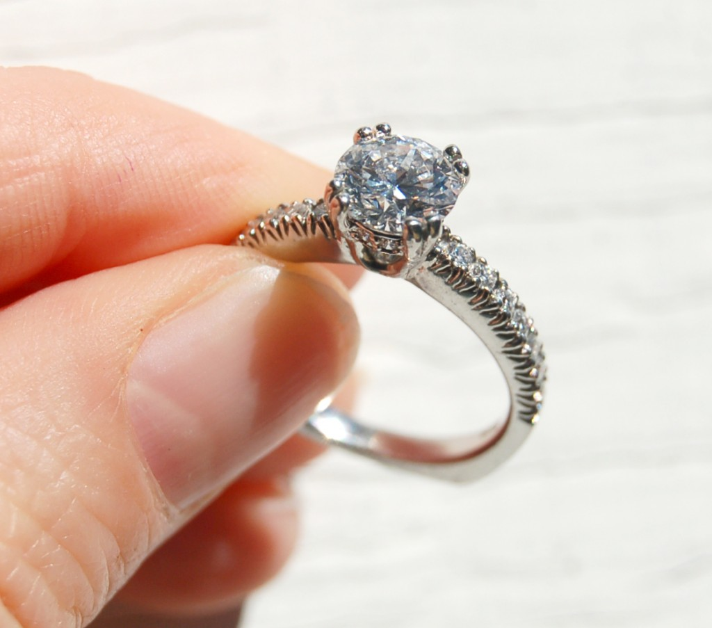 Make Your Engagement Special For Your Loved One With Pretty Engagement Ring