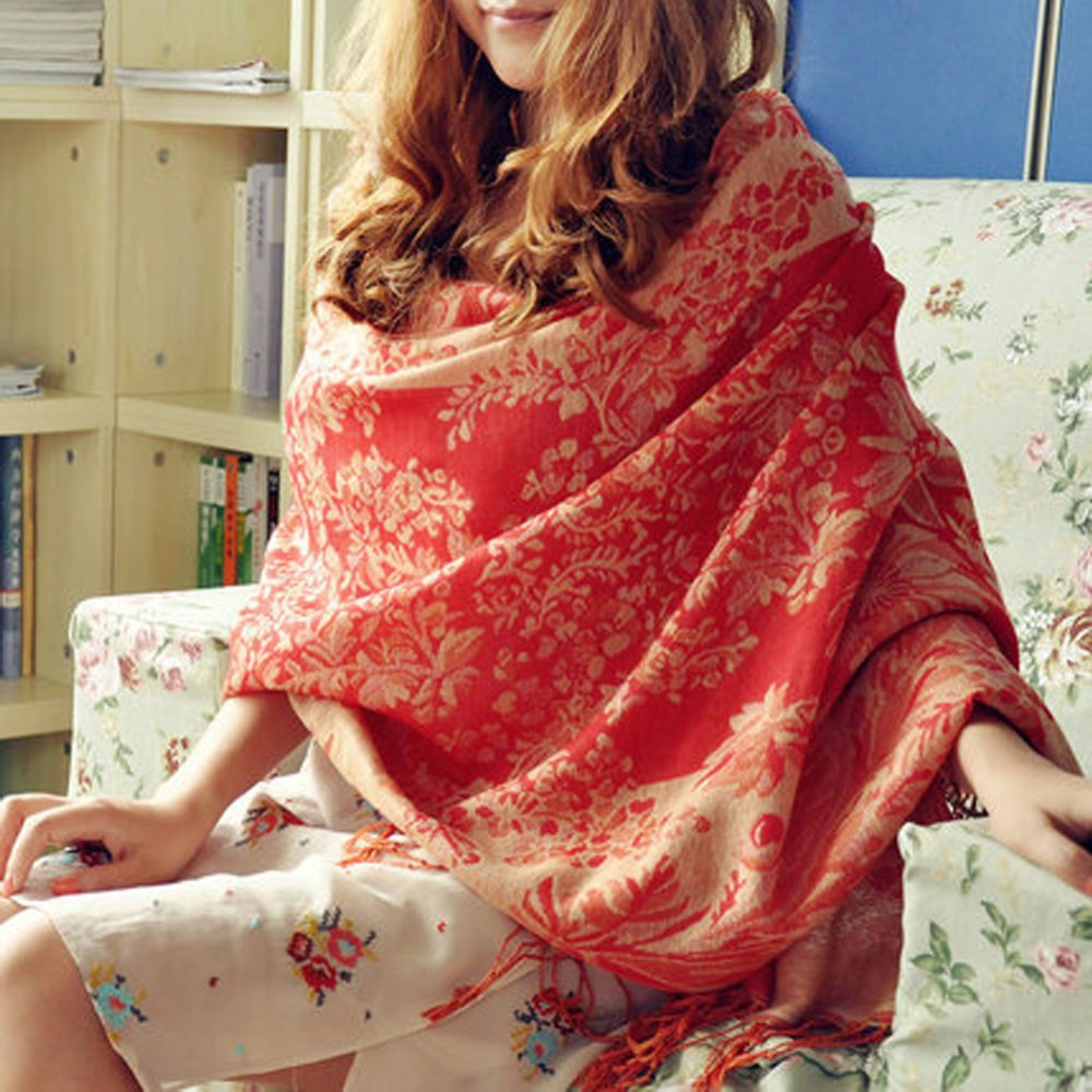 A Glimpse To Pashmina Scarves And Shawls