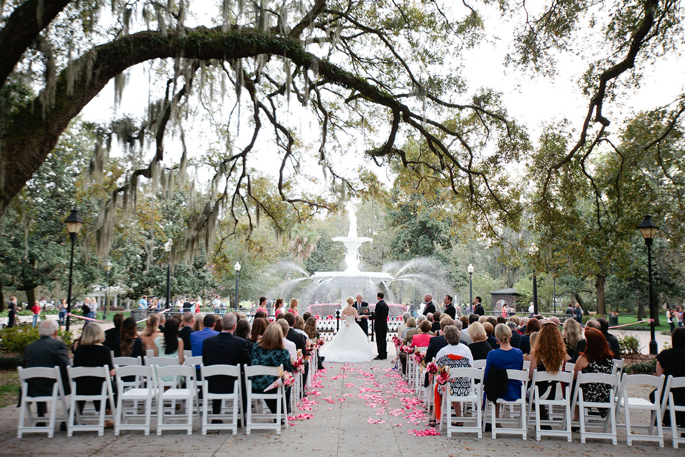 Planning A Romantic And Memorable Wedding Is Easy
