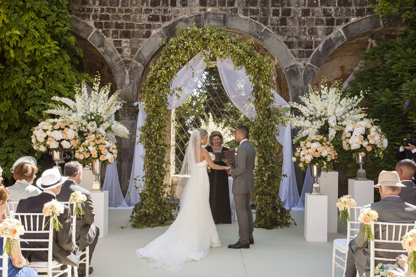Five Benefits Of Getting Married Abroad