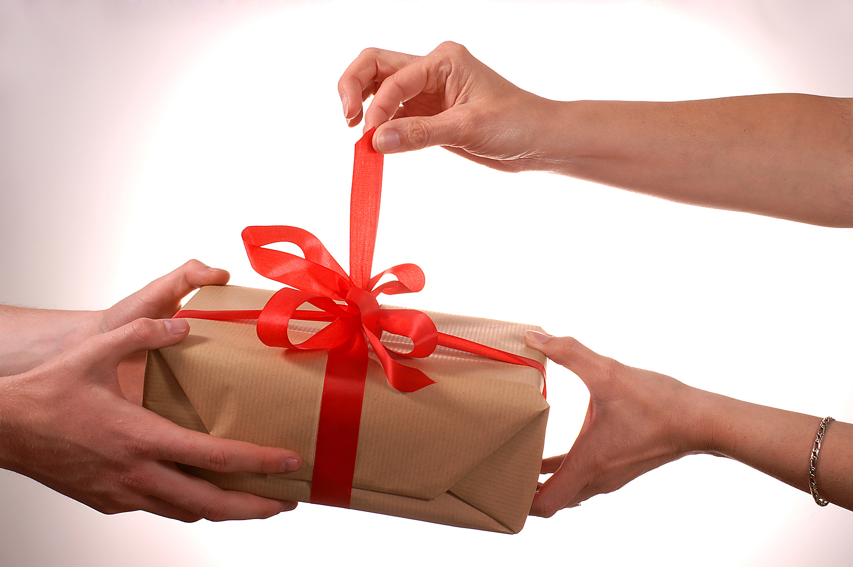 Tips For Choosing Gifts for Your Man