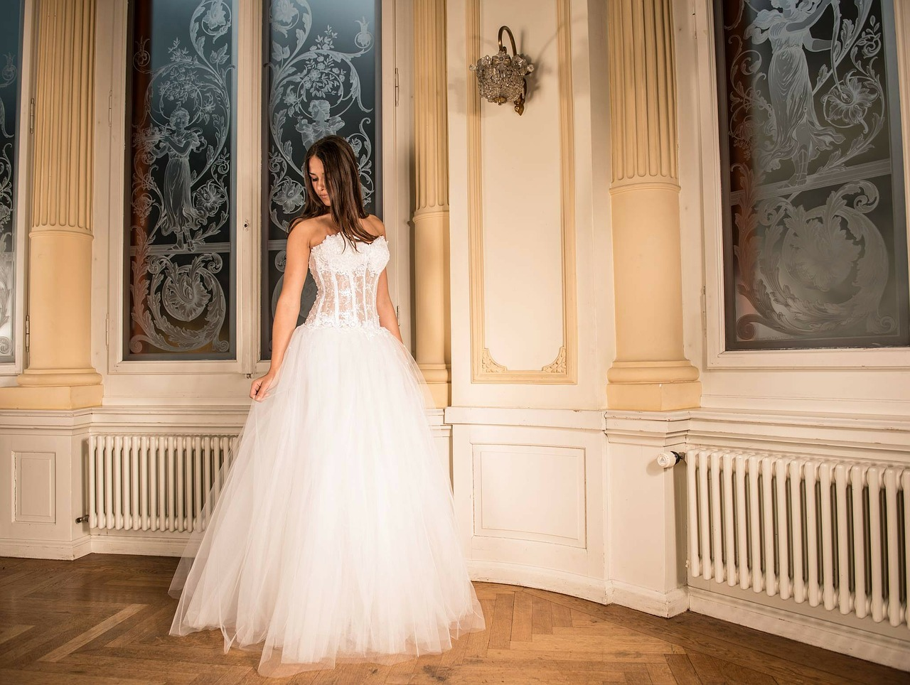 How To Go About Buying a Wedding Outfit