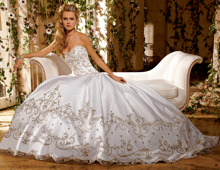Plus Size Bridal Gowns: Getting a wonderful Gown with regard to Full ...